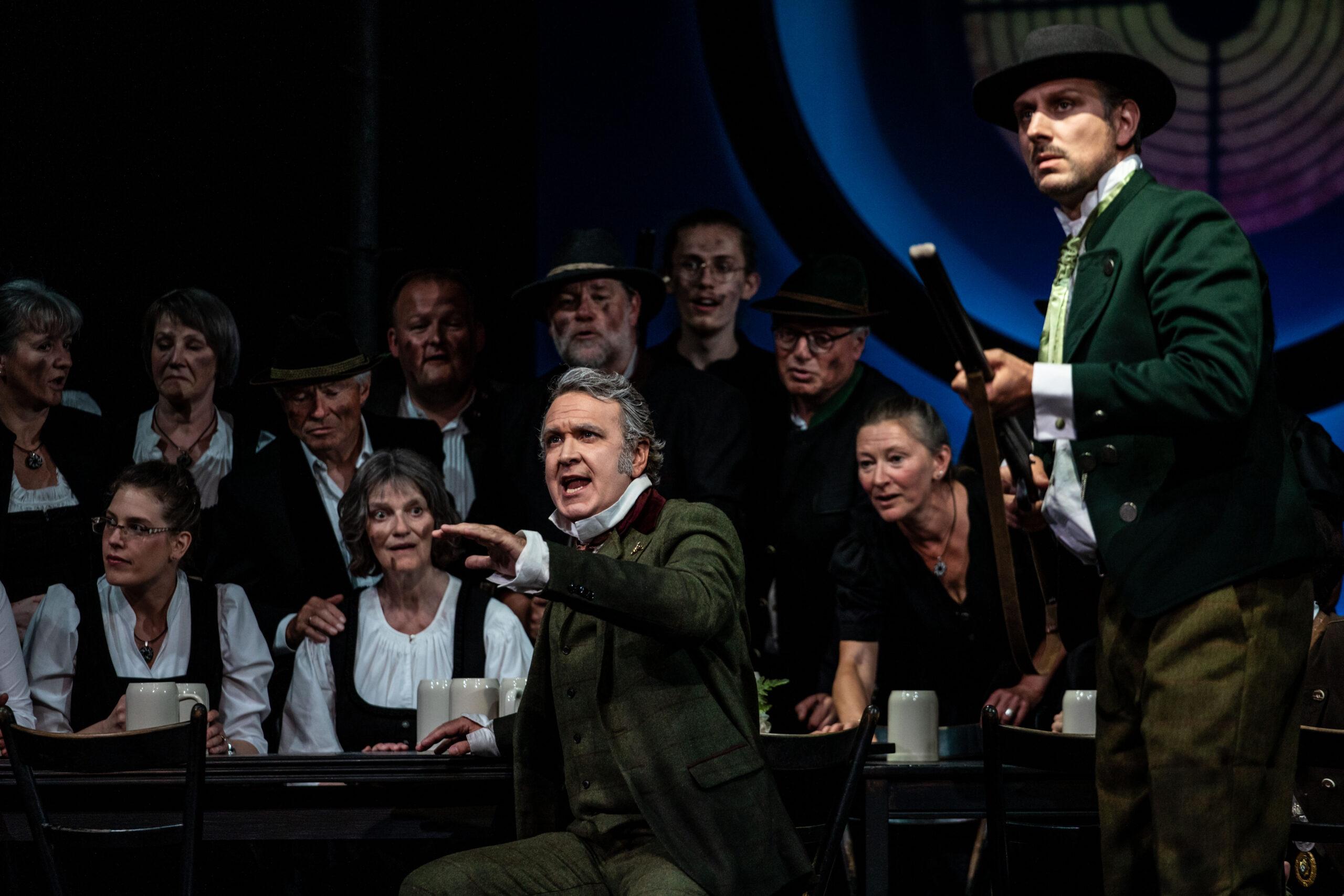 Opernfestival_Oberpfalz_Freischütz_Kuno_erzählt_die_Legende_von_den_Freikugeln Foto: Christina Iberl